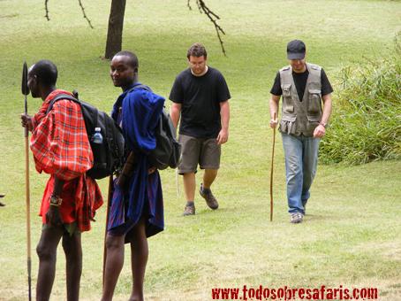 Caminando por Siana. Kenya, septiembre07