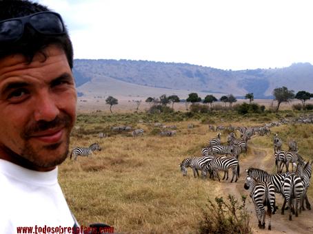 Juan y cebras en Masai Mara, Kenya, septiembre de2007