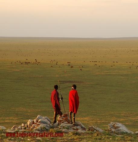 Masais en Ndutu. Tanzania. AsiliaCamps