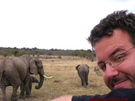 Luis y elefantes, Masai Mara, Kenya, septiembre2007