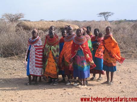 Visita a un poblado Samburu en Shaba. Septiembre de 2005