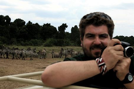 Paco León, Todo sobre Safaris
